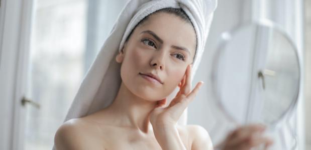 Co ciało mówi o Twoim zdrowiu? czyli jakie choroby podpowiada lustro